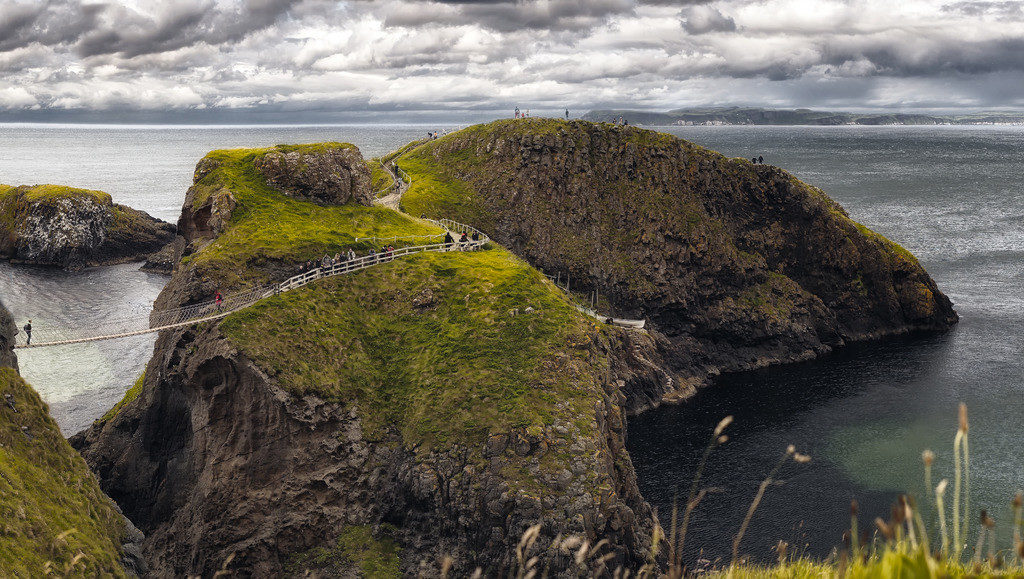 Carrick-a-Rede rope bridge from above