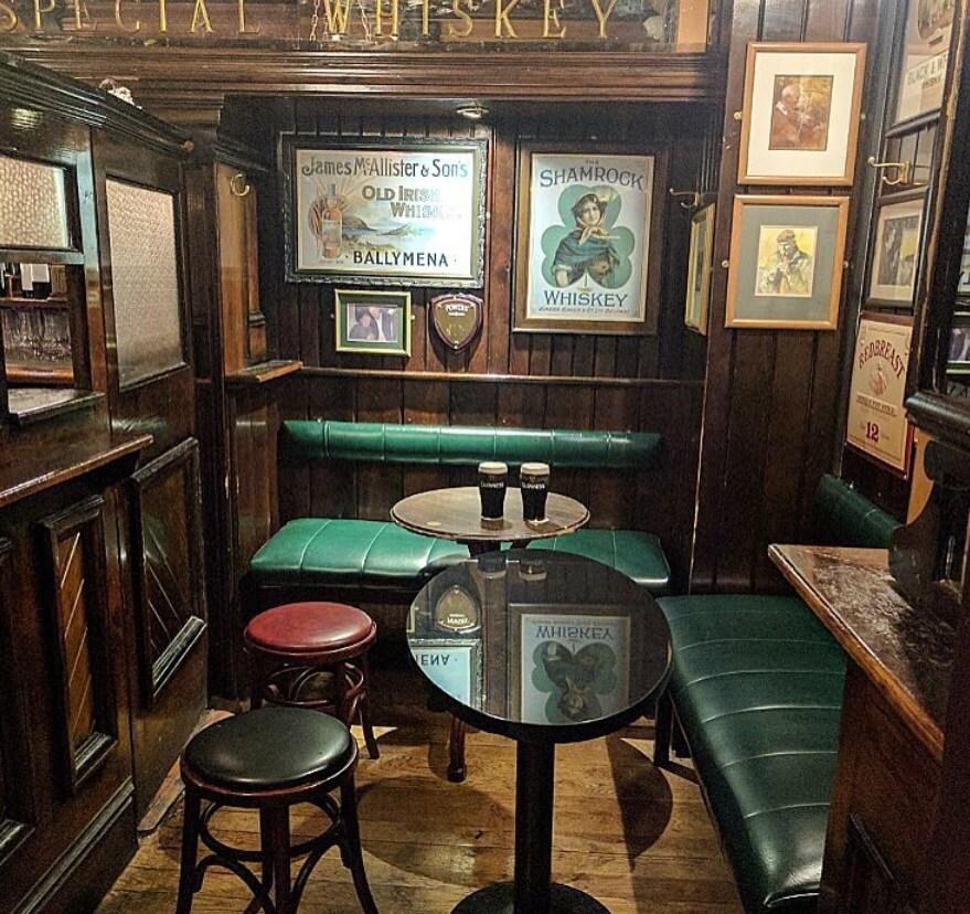 Doheny Nesbitts pub dublin