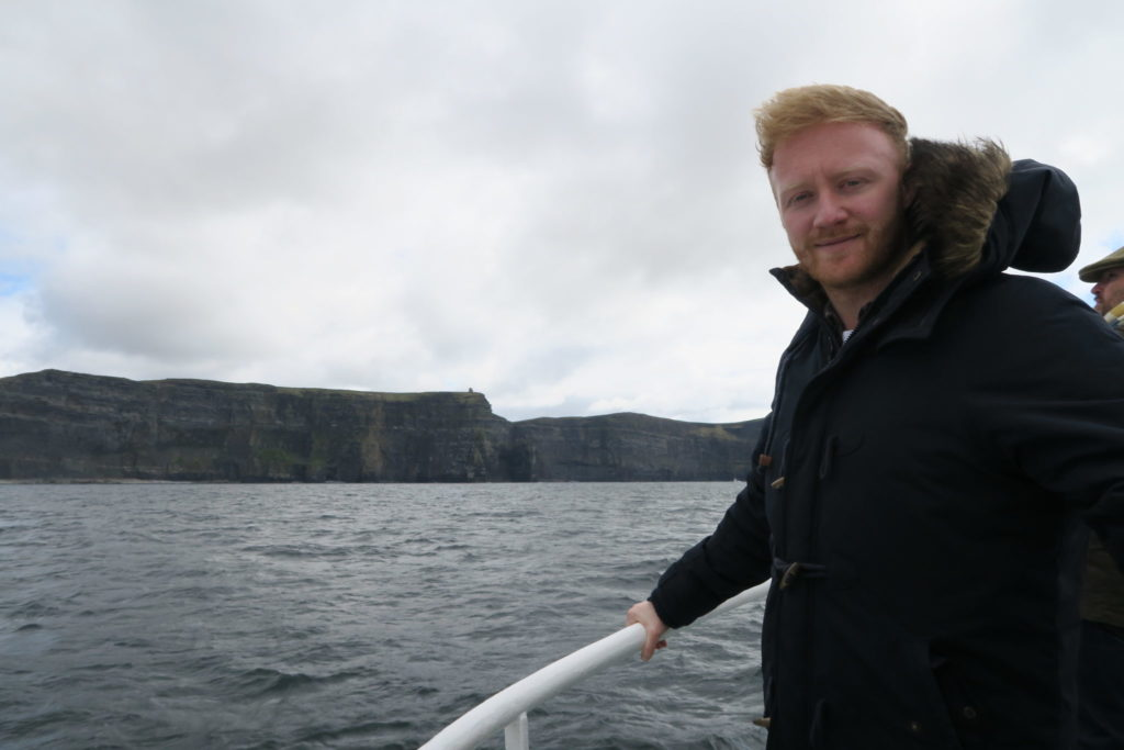 ferry cliffs of moher