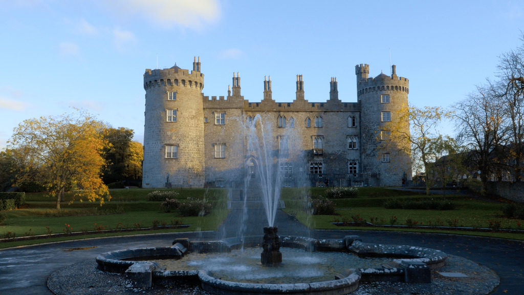 7 day Ireland itinerary visiting kilkenny castle