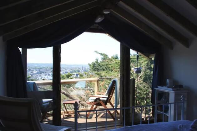 treehouse to rent in cork