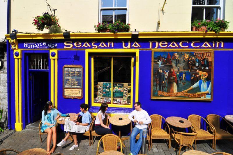 Tigh Neachtain pub galway