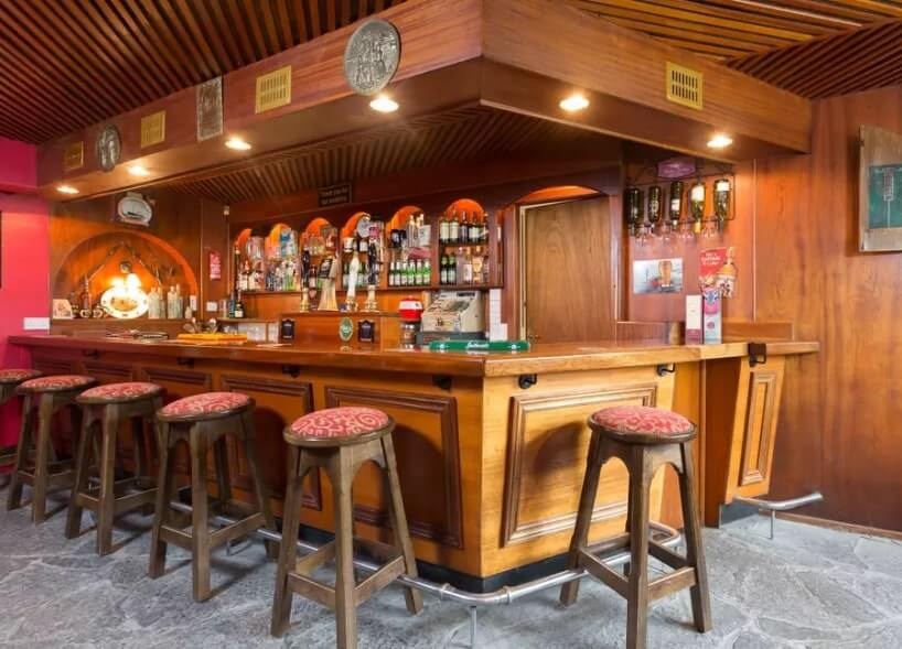 bar to rent airbnb ireland