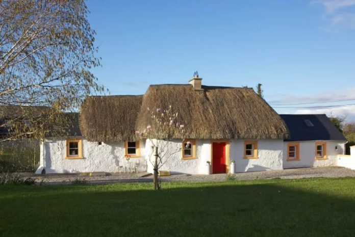 thatch cottag airbnb ireland