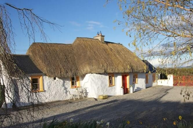 thatch cottage thurles 1