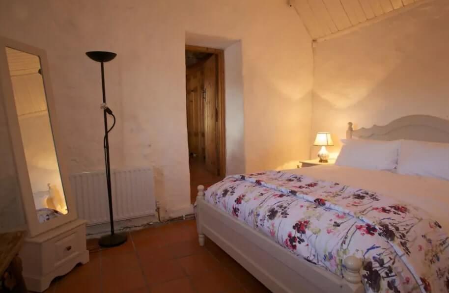 thatch cottage ireland to rent