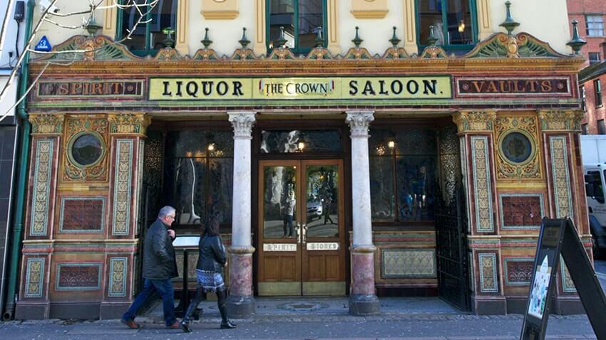 crown liquor sallon pub