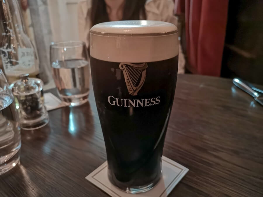 pint of guinness kilkea bar