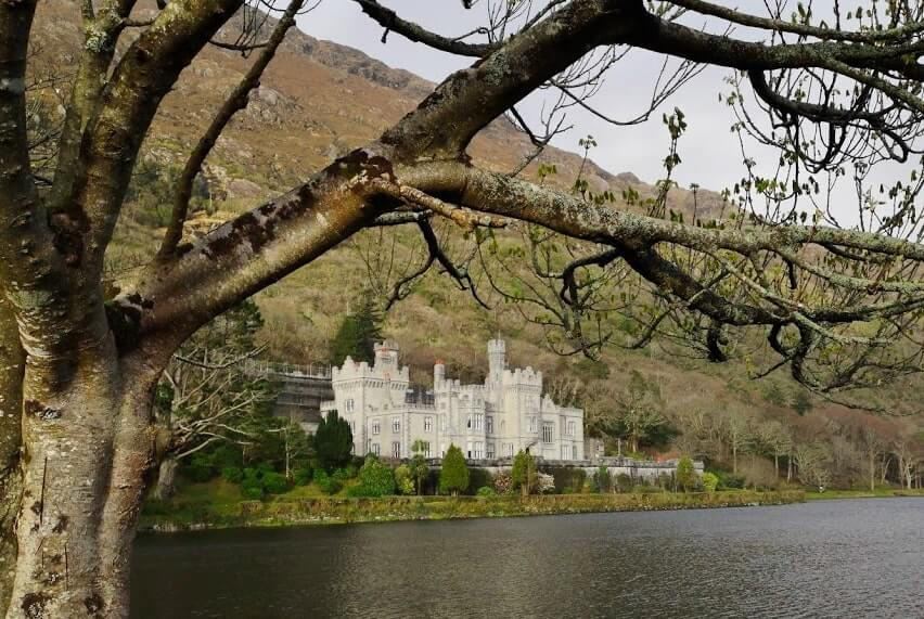 kylemore abbey connemara