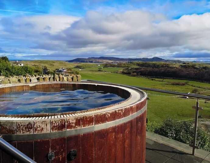 hot tub at the shandon spa