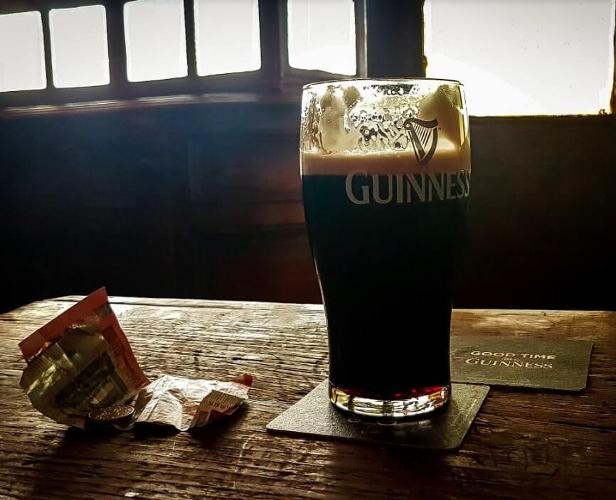 the gravediggers pub guinness pint