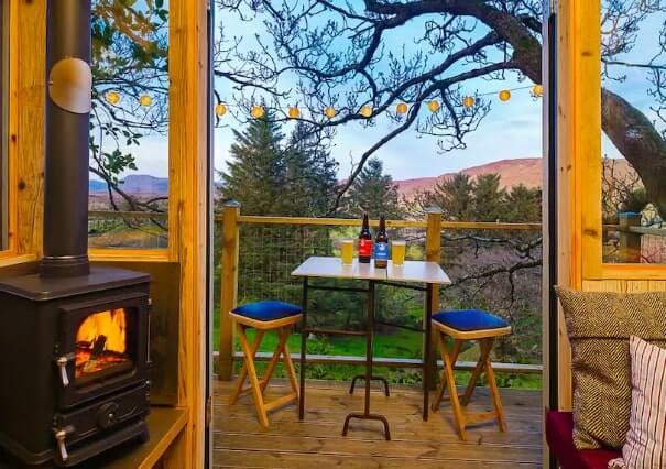 airbnbn treehouse donegal