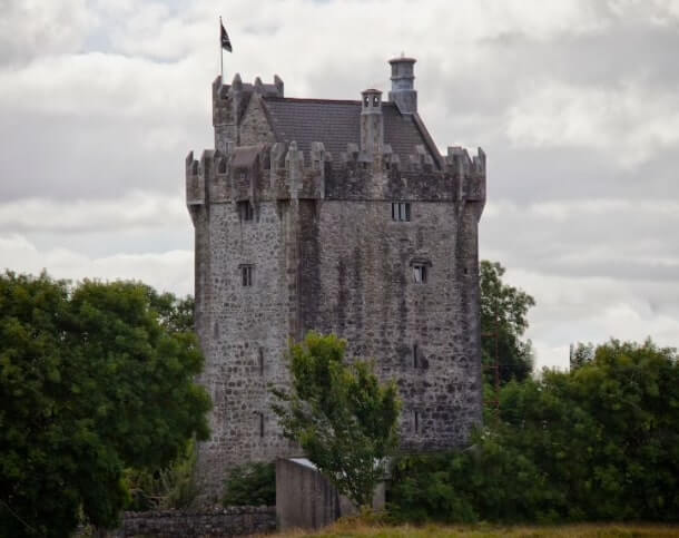 Castle to rent in Galway