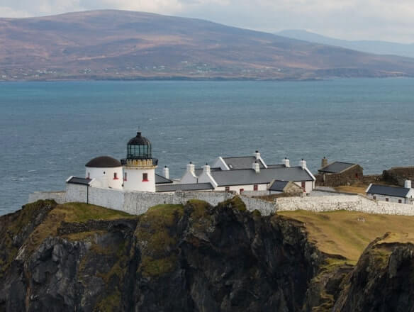lighthouse to spend a night ireland