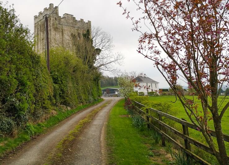 tubbrid castle outside