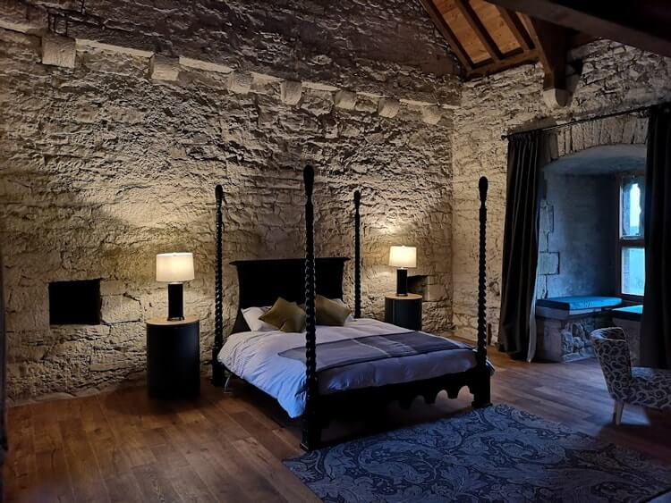 tubbrid castle master bedroom