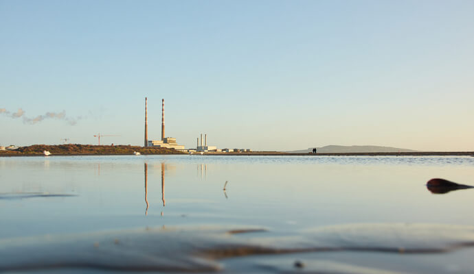 sandymount to poolbeg lighthouse