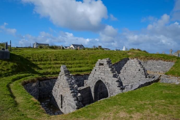 St Caomhán's church