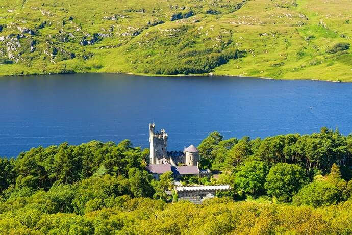 glenveagh castle in donegal