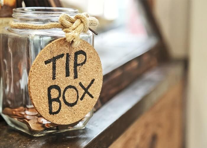 tipping in ireland