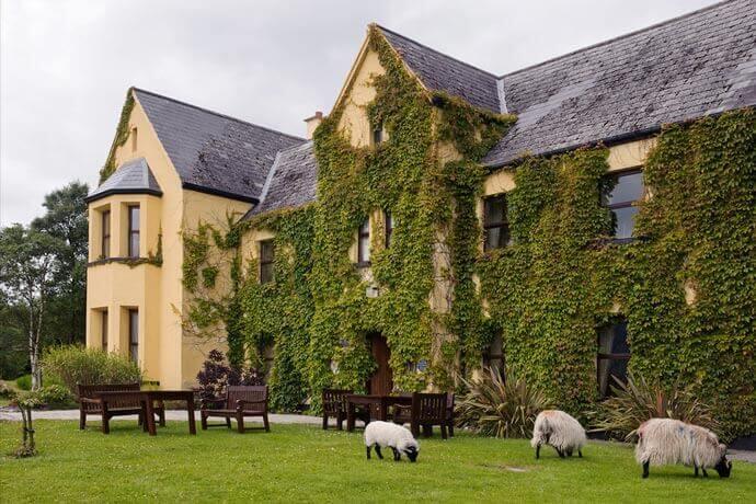 Lough Inagh Lodge dog friendly hotel