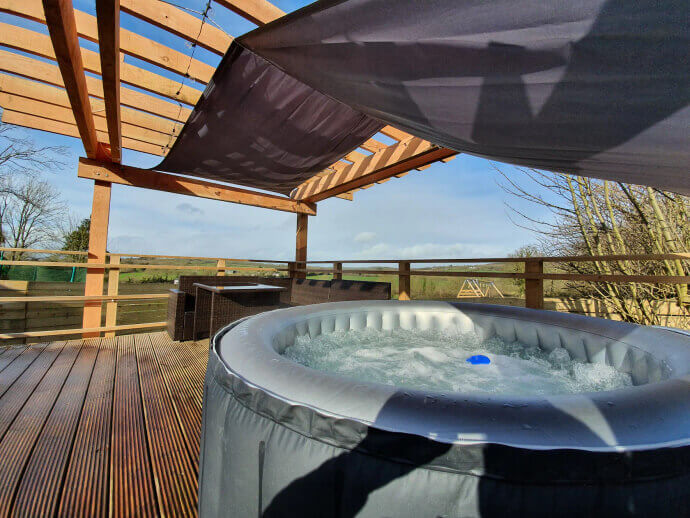 airbnbs with hot tubs ireland