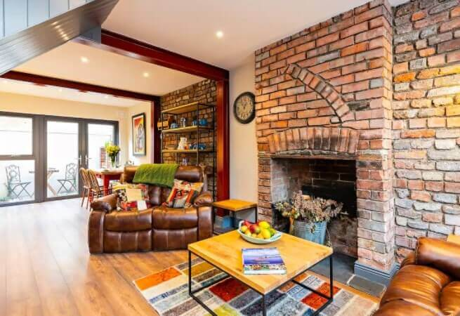 inside this luxurious airbnb in Dublin City