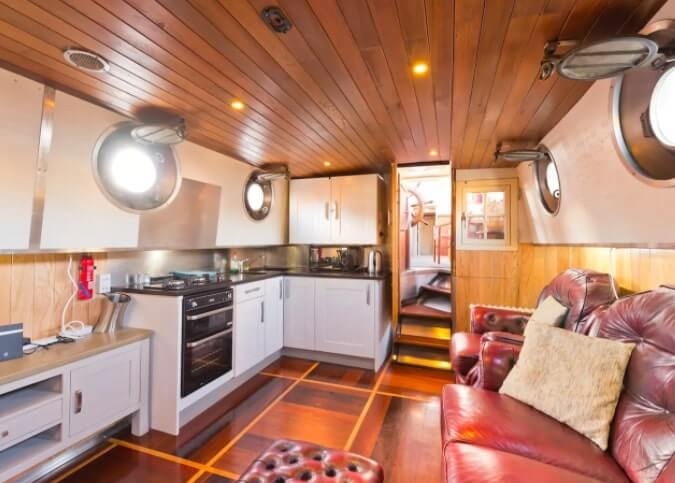 grand canal barge airbnb