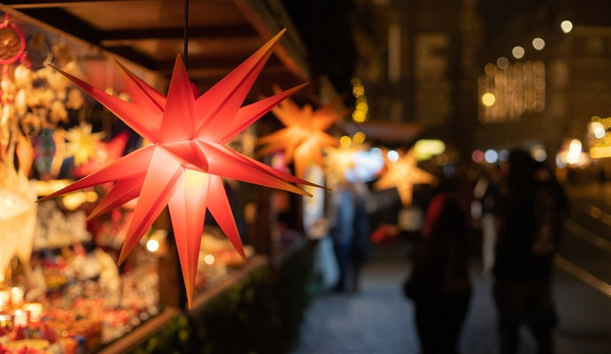 Christmas stars in a sale booth