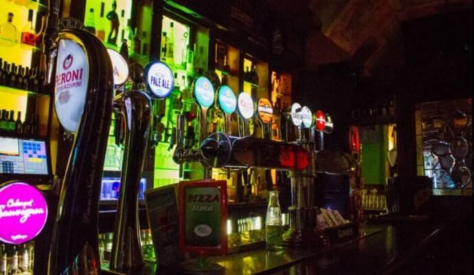 The Chasin' Bull pub