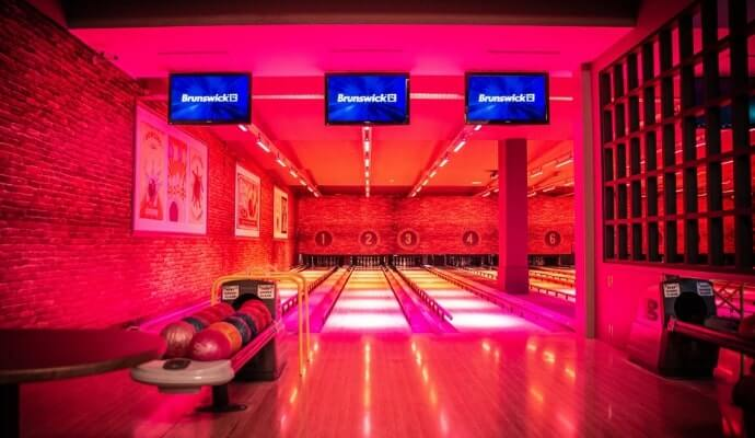 bowling in Arena 7 Entertainment letterkenny town