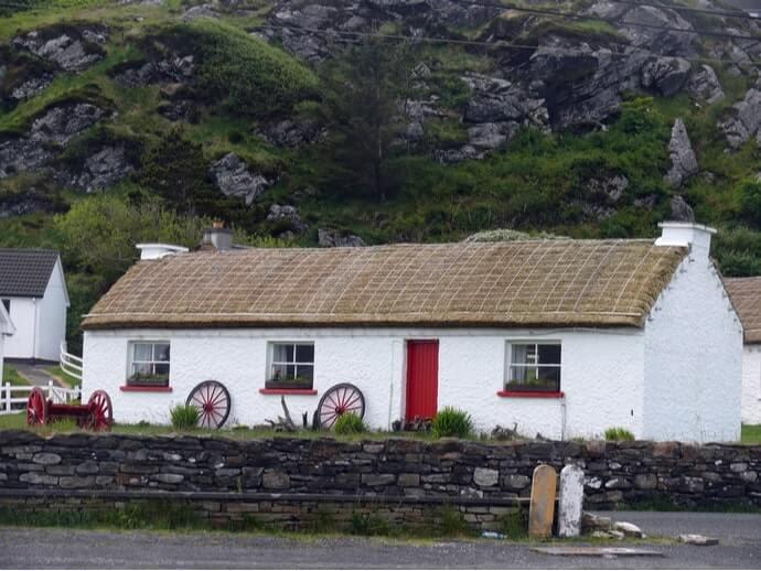 Glencolmkille folk village