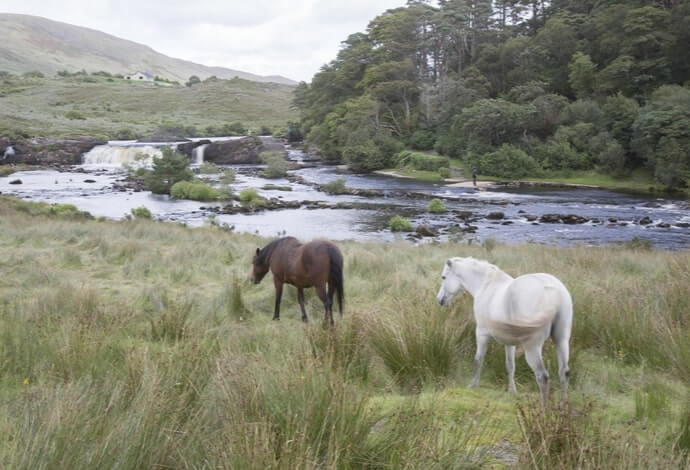 Aasleagh Falls parking