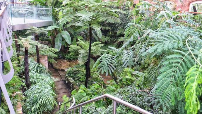 buildings in the botanic gardens